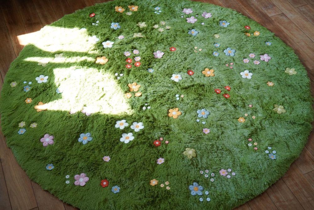 子どもの頃からの夢を形に 「のばなのじゅうたん」を自作