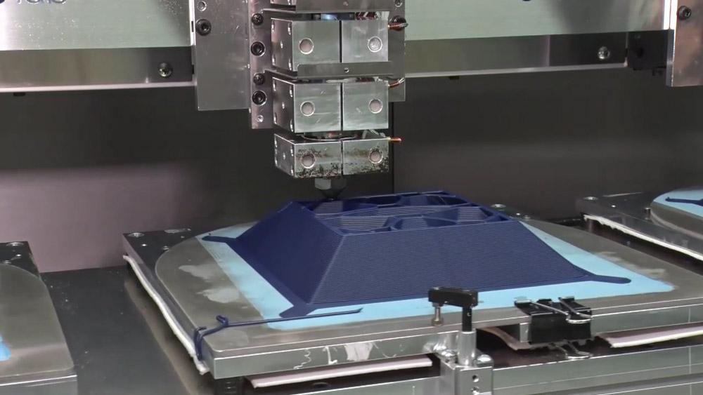 3Dプリンタによる製造風景