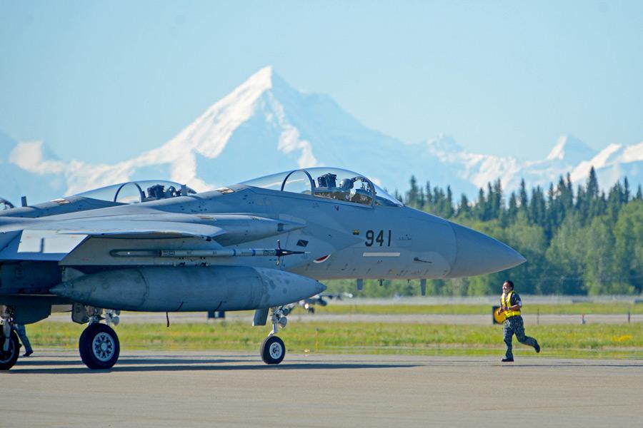 「レッドフラッグ・アラスカ21-2」で離陸準備を整える航空自衛隊のF-15J(Image:USAF)
