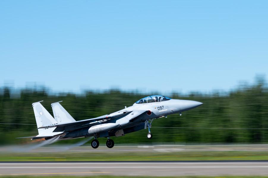 「レッドフラッグ・アラスカ21-2」で離陸する第204飛行隊のF-15J(Image:USAF)