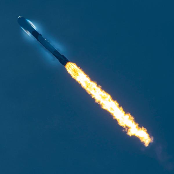 GPS III 5号機を載せ上昇するファルコン9(Image:SpaceX)