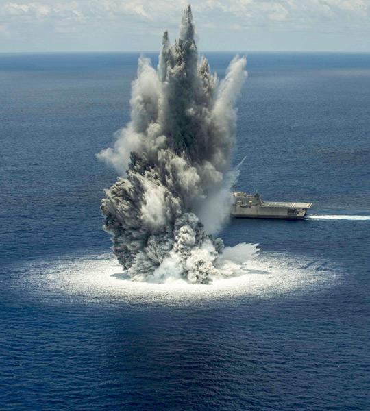 沿海域戦闘艦ジャクソンの水中衝撃試験(Image:U.S.Navy)