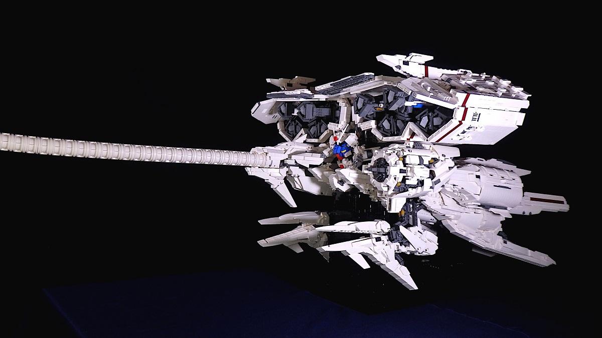 レゴで作った「デンドロビウム」 ガンプラ以上の超巨大スケールで再現