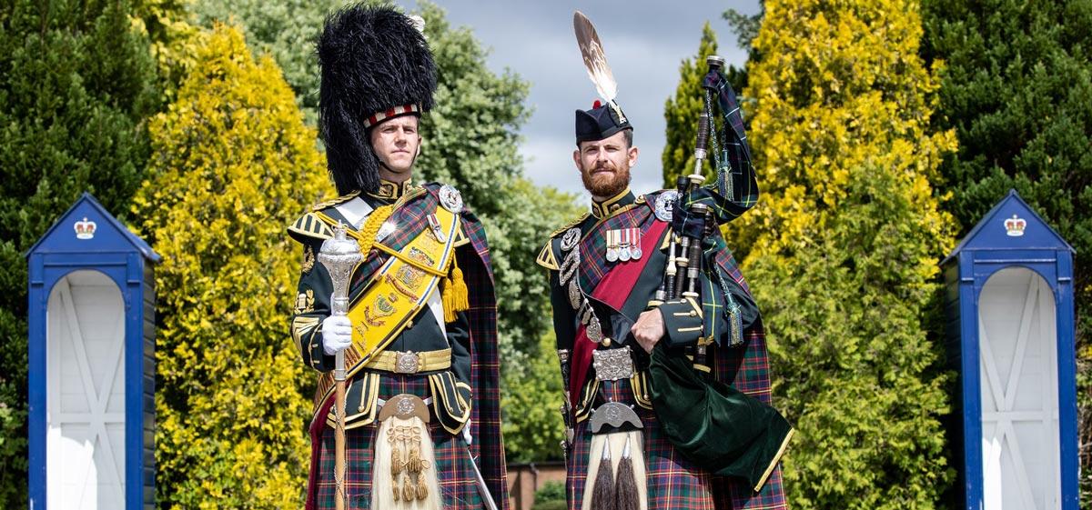 イギリス陸軍軍楽隊で兄弟の指揮者と独奏者が誕生 兄弟同時は史上初