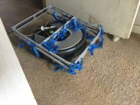 「まるで装甲車」ロボット掃除機が巻き込んだあるものに持ち主驚き