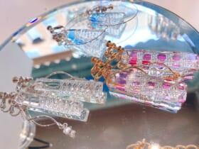 カラフルポップで心躍る「切子アクセサリー」を紹介したガラス作家が話題。