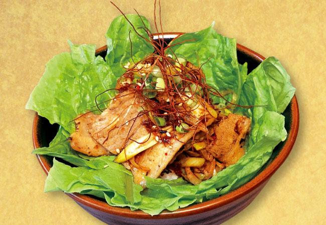 炙り豚カルビ丼