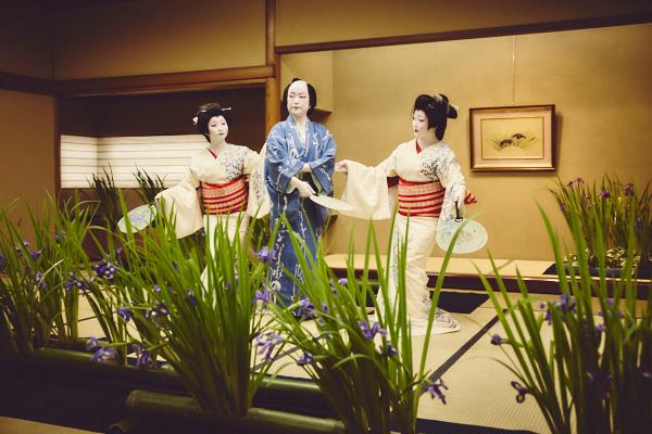新橋花柳界に巡る四季を踊りで表現