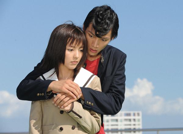 仮面ライダーなでしこ(美咲撫子)を演じた真野恵里菜