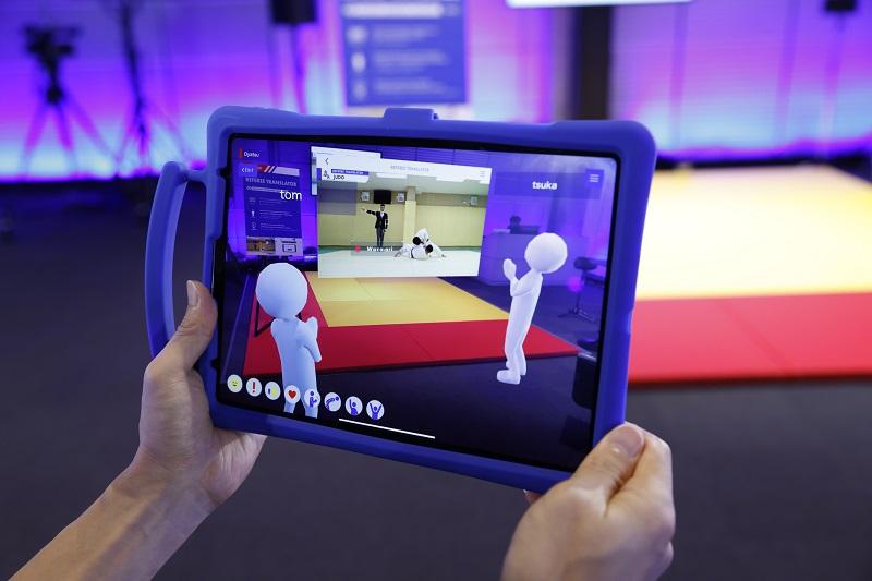 レフェリーの動きや判定を翻訳して視聴者に競技の面白さを伝えるWEBアプリ