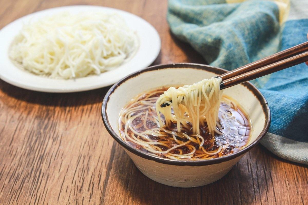 「麺つゆ×鶏ガラ」のそうめんつゆアレンジレシピに箸が止まらない