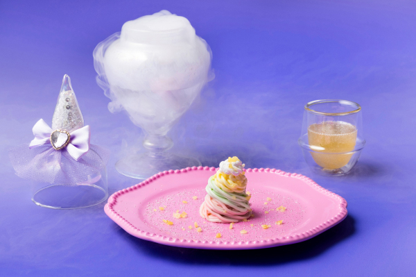 ゆめかわアップルホワイトチョコレートモンブラン 林檎と蜂蜜ソース