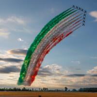 イタリア空軍曲技飛行隊「フレッチェ・トリコローリ」創設60周…