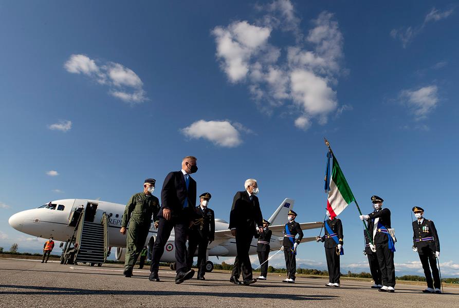 リヴォルト基地に到着したマッタレッラ大統領(Image:イタリア空軍)