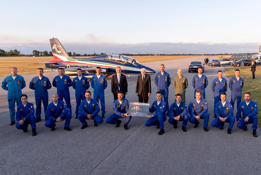 大統領らとの記念撮影(Image:イタリア空軍)