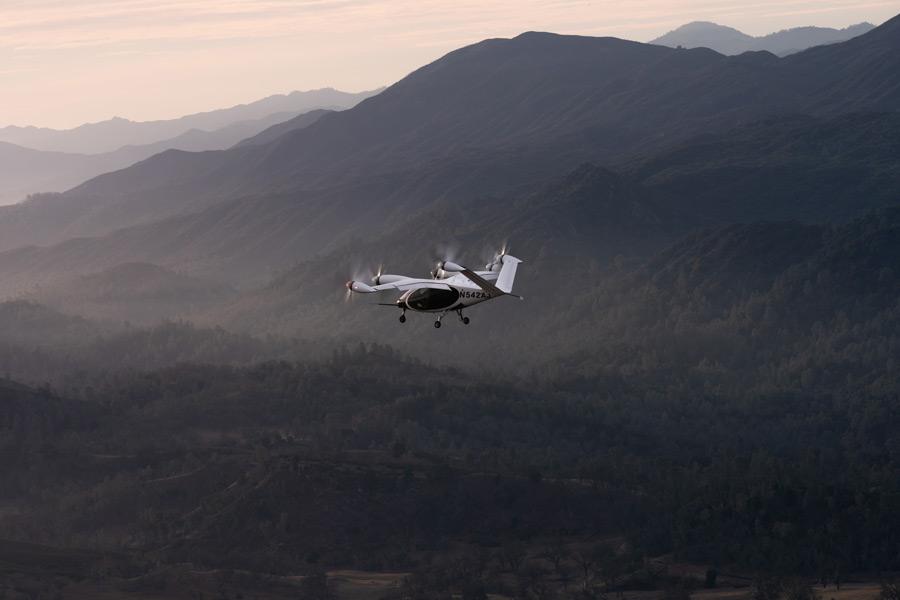 カリフォルニア州のBig Sur上空を飛ぶJOBYのeVTOL(Image:Joby Aviation)