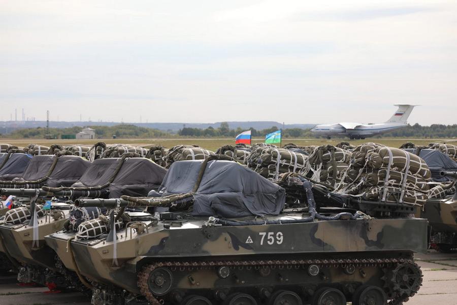 空中投下システムを取り付けたBMD-4M(Image:ロシア国防省)