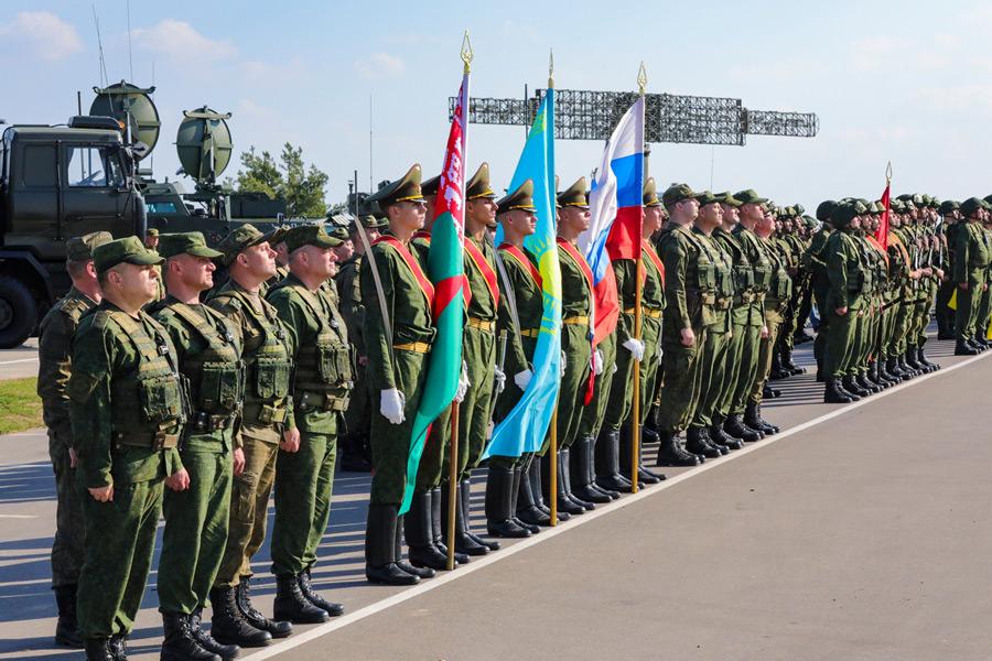 ベラルーシでの「ザーパト2021」開会式(Image:ロシア国防省)