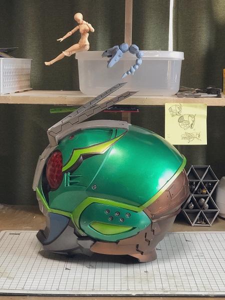 ヘルメットを横から見たところ