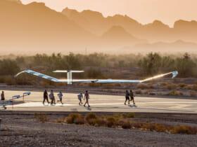 離陸するソーラー無人機ゼファーS(画像:Airbus)