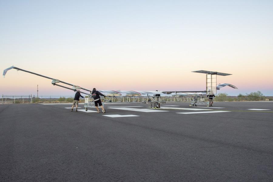 地上でのゼファー(画像:Airbus)