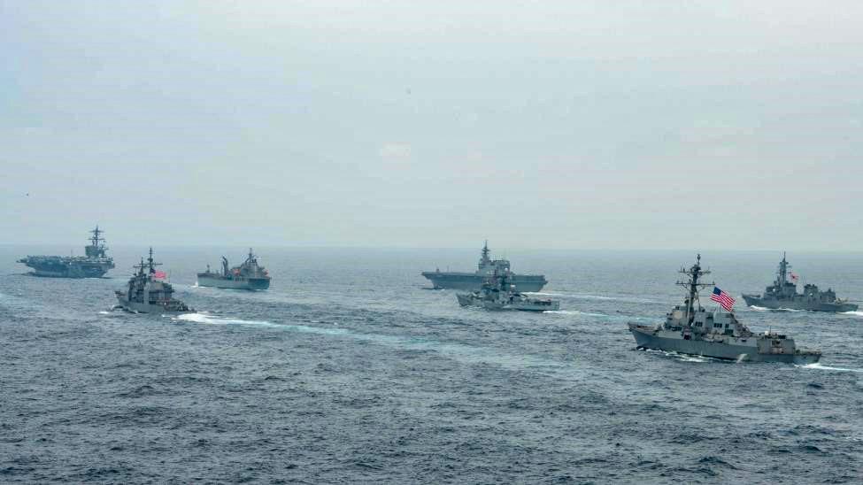ベンガル湾を航行する「マラバール2021」参加艦艇(画像:U.S.Navy)