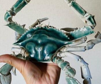 まさに生き物の神秘 「青いワタリガニ」の陶器がTwitterで反響。