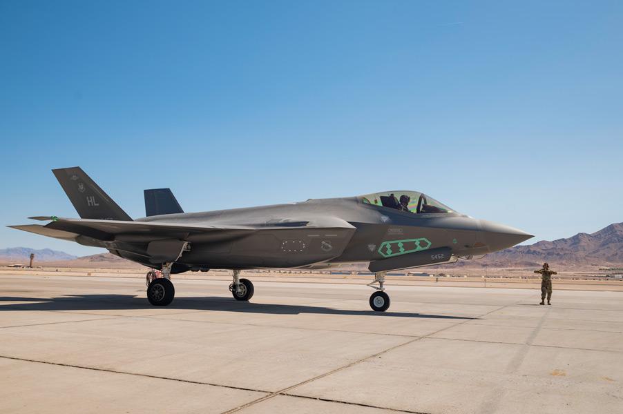 試験中のF-35A(画像:USAF)