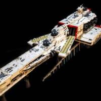 逆襲のシャア「ラー・カイラム」を2万5千個のレゴブロックで完…
