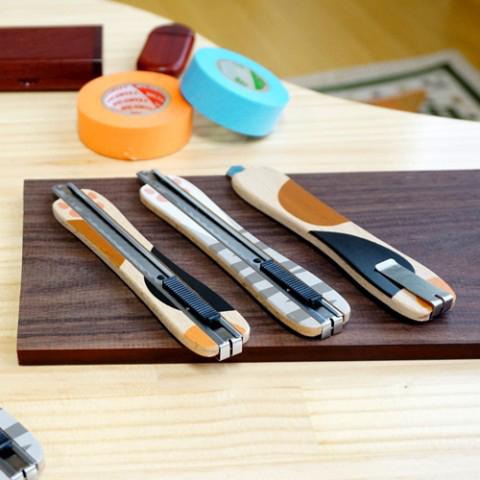 木のぬくもりがあふれるカッターナイフ